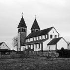 Bild des Tages 08.04.2011 - Kirche im Dorf