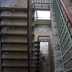 schmales Treppenhaus