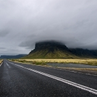 Ringstraße mit Lómagnúpur