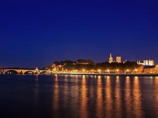Bild des Tages 29.06.2011 - Avignon zur Blauen Stunde